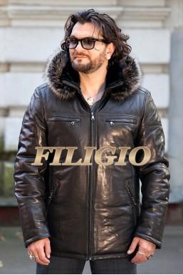 Кожаная куртка с капюшоном с отделкой из меха енота