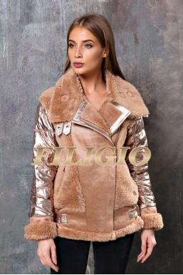 Модная куртка с отделкой из набивной шерсти