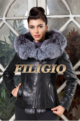Кожаная куртка с капюшоном с отделкой из меха чернобурки