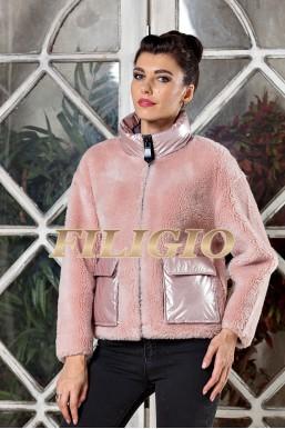 Модная куртка из шерсти