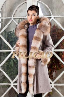 Модная парка- пальто из кашемира и шерсти с отделкой из меха лисы